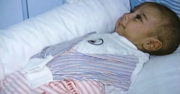 Mom Leaves Baby in Hospital And Nurse Lifts His Blanket to See No Arms or Legs