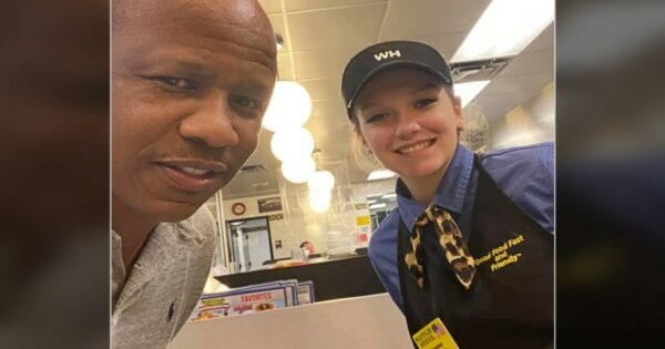 God Turns Stranger's $40 Tip for Pregnant Waitress at Waffle House Into So Much More