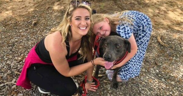 God Sends Woman And Her Dog Jogging Past Funeral Home, Then A Little Girl Asks Her To Stop